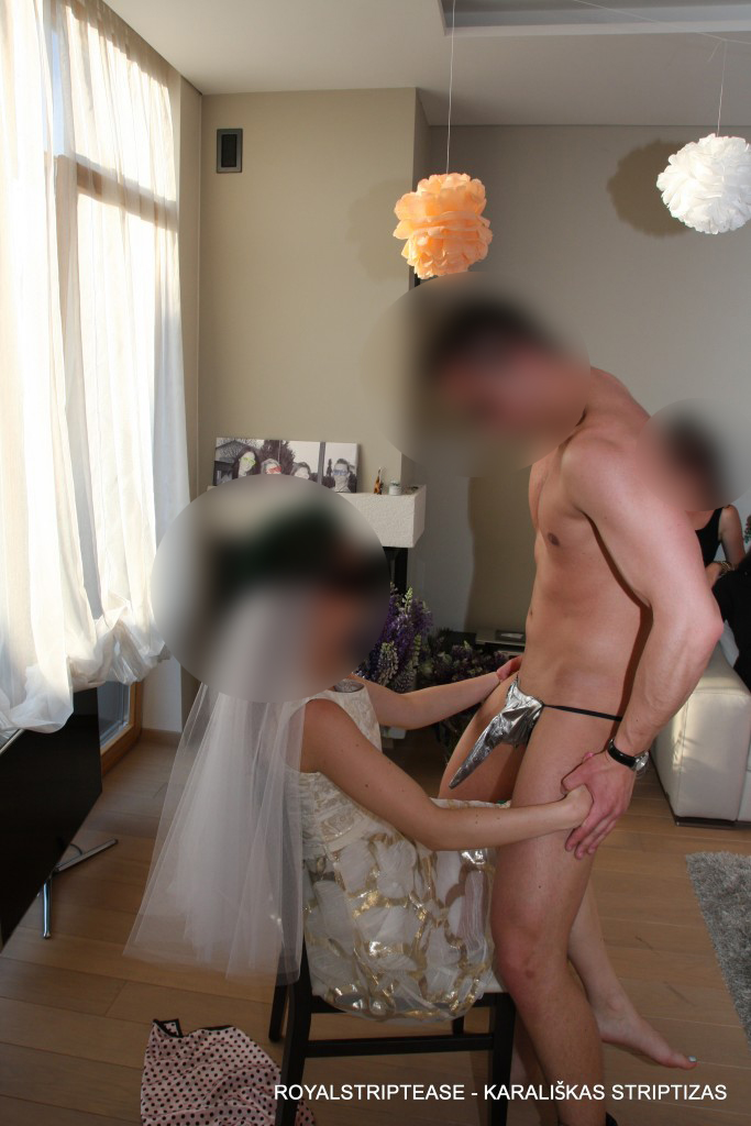 dovanos mergvakario proga striptizo šokėjas
