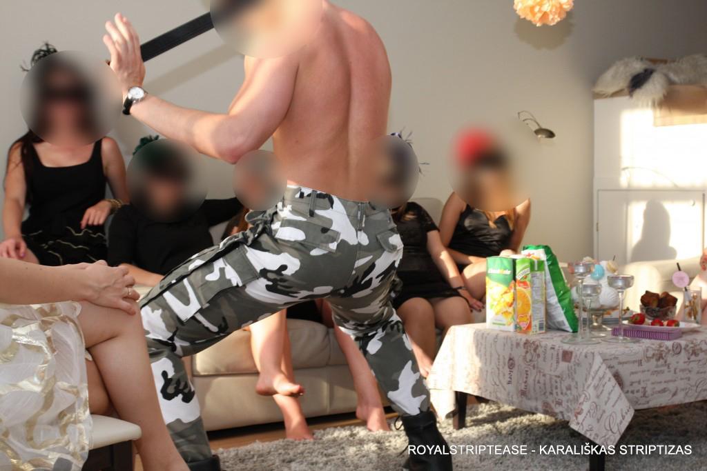 striptizas gimtadienio proga