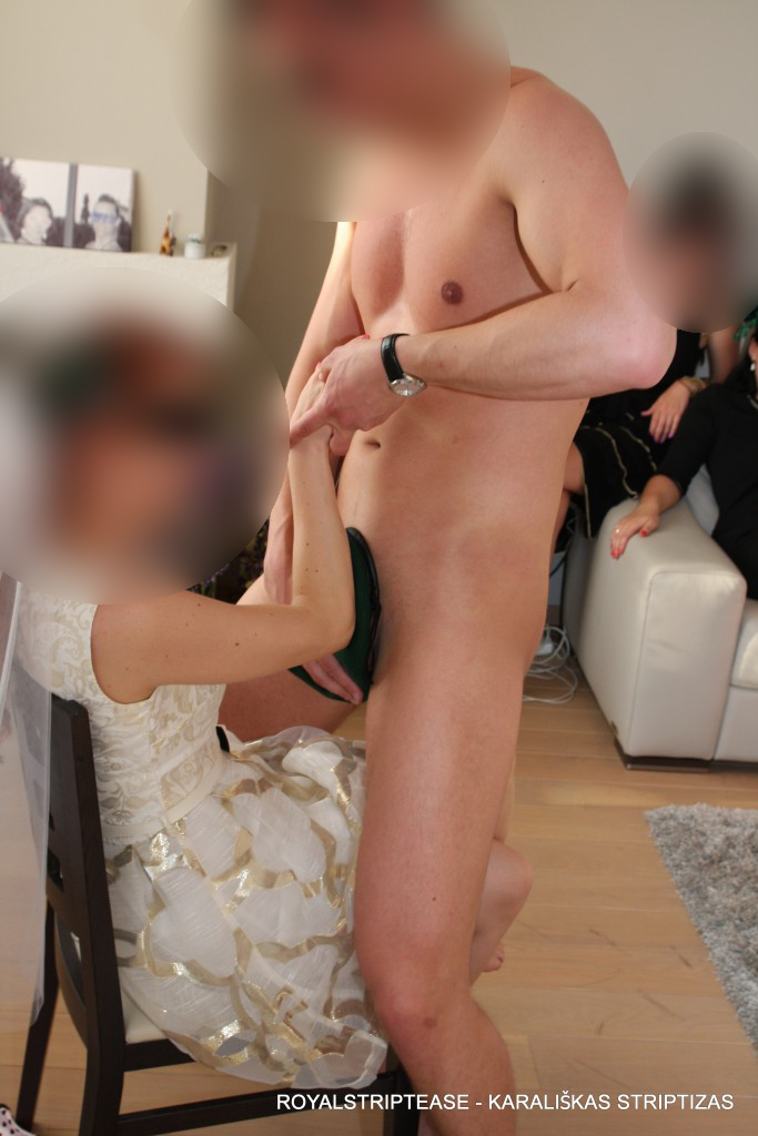 striptizas moterims 2