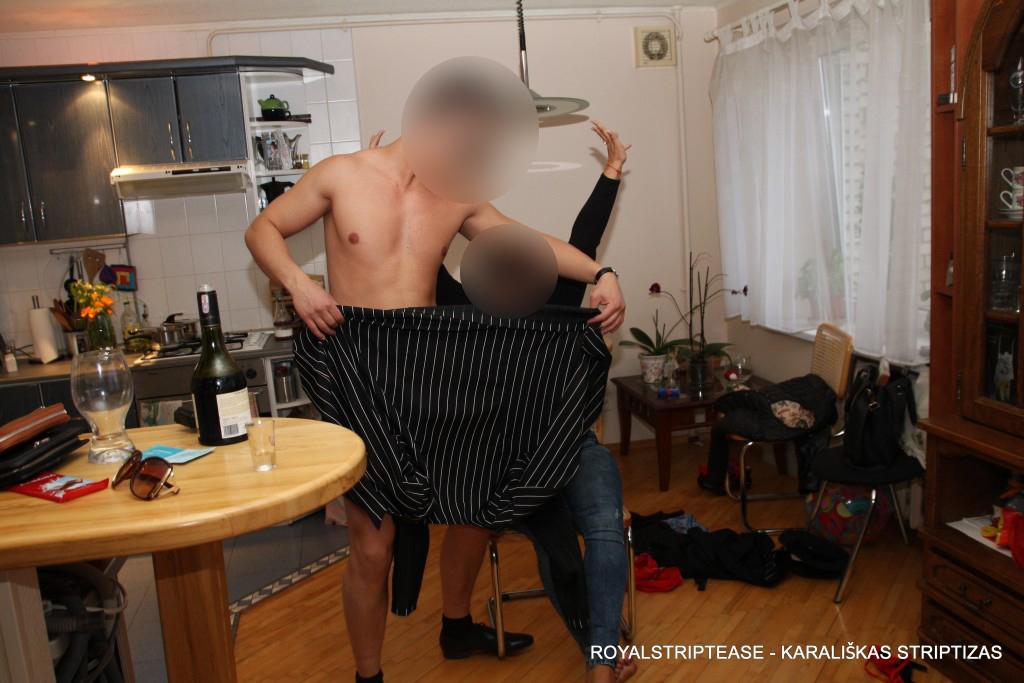 striptizas į namus