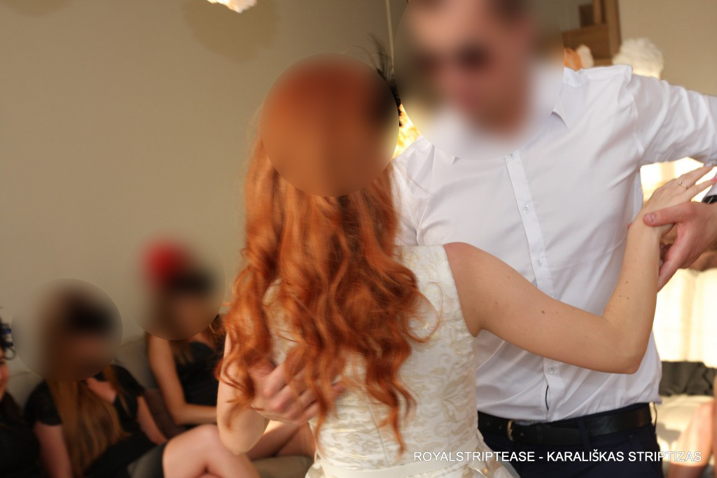 dovana zmonai vestuviu proga sokejas