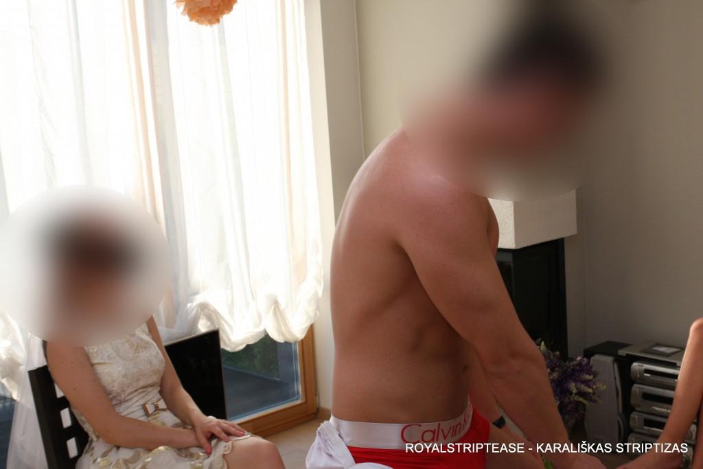 vyriskas striptizas