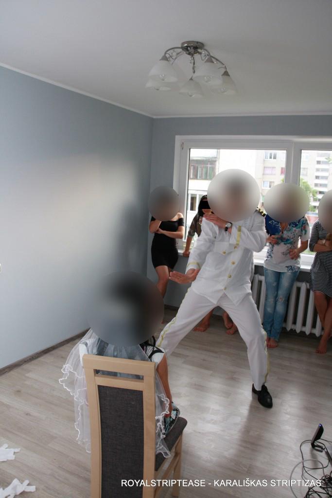 striptizo šokėjas Mergvakariui kaina